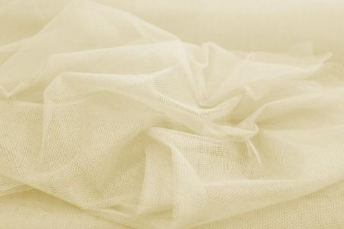 Tkanina na suknie krzyżówka